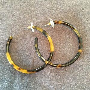 BR hoop earrings
